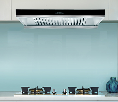 <span>canopy rangehood</span>75cm with black glass fascia